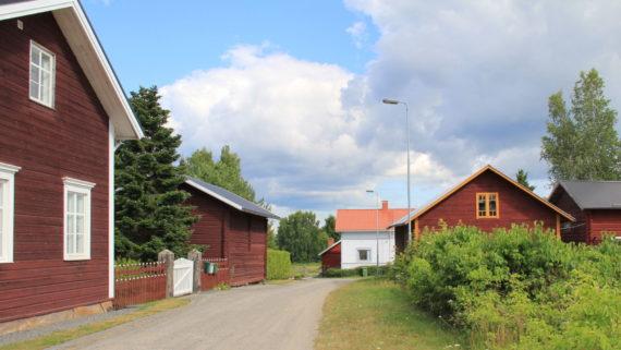 Ahlaisten kylä Porissa