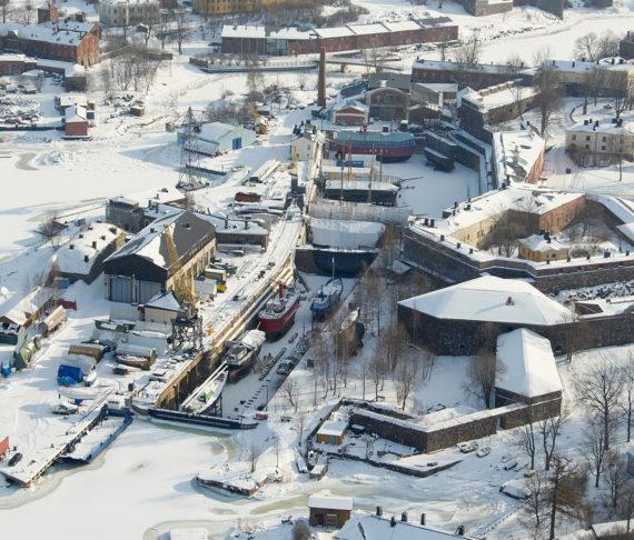 Suomenlinnan telakan rakennuksia