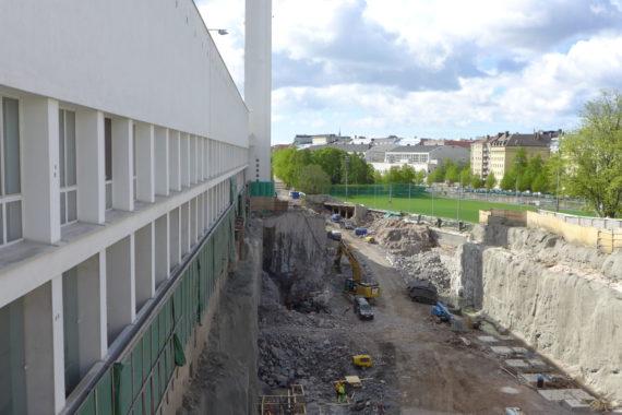Uusille liikuntahalleille louhittiin tilaa stadionin läntisen pihan alle
